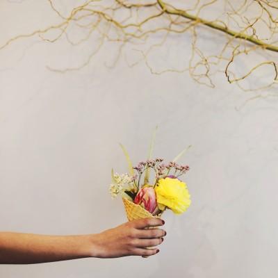 Photographie : Gaëlle Simon Photographie Modèle : Margaux Biancheri Lieu : Julie Guittard Fleuriste ©Hello Wooly 2015